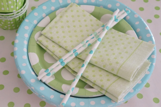paper plates,napkins and straws all with polka dots